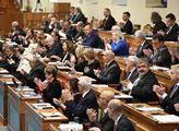 Ustavující schůze Senátu. Proběhly volby předsedy ...
