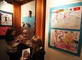 V suterénu byla výstavka dětských kreseb s olympij...