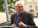 Prezident Miloš Zeman zavítal na plenární zasedání...