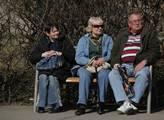 Vláda slíbila důchodcům víc, než bude realita. 174 korun