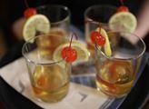 Welcome drink s třešničkou