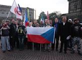 Česká výprava na demonstraci hnutí PEGIDA do Drážď...
