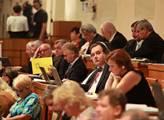 Senát čeká rozhodování o daních na cigarety a o vyvlastňování
