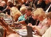 V Senátu se projednávalo schválení zákona o církev...