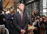 Andrej Babiš sleduje výsledky voleb