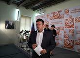 Tisková konference ČSSD ke zvyšování platů ve veře...