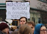 Výstražná stávka studentů v Ostravě na Masarykově ...