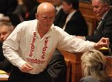 Senátor Ivo Valenta v krojové košili