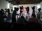 Ano i ne. Na tiskové konferenci vedení ČSSD oznámi...