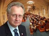 Senátor Veleba představil svůj průlomový návrh k veřejnoprávním médiím