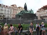Na Staroměstském náměstí proběhl protest proti cír...