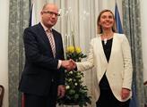 Premiér Bohuslav Sobotka přijal šéfku diplomacie E...