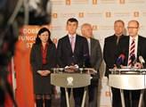 Zástupci hnutí ANO a strany ČSSD na společné tisko...