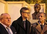 Zahalení sochy Francoise Mitterranda před Jazzovou...