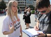 Radek John zorganizoval petici za zákaz geneticky ...