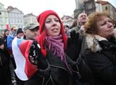 Demonstrace proti islámu na Statoměstském náměstí ...