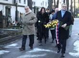 Památku Jana Palacha na pražských Olšanských hřbit...
