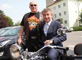 Andrej Babiš se svým fanouškem