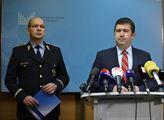 1. náměstek policejního prezidenta Martin Vondráše...