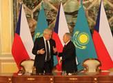Miloš Zeman s prezidentem Kazachstánu Nursultanem ...