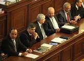 Vláda premiéra Rusnoka se usadila v lavicích