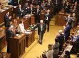 Sněmovna přivítala nového ministra průmyslu a obch...