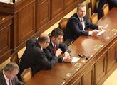 Začala řádná prosincová schůze sněmovny. Na progra...