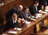 Poslanci schválili novelu zákona o veřejných zakáz...