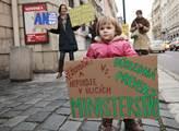 Mladí Zelení protestovali za zřízení ministerstva ...