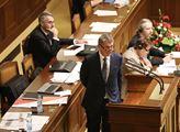 """""""Od počátku nesmysl!"""" Babiš ve Sněmovně znovu zadupal plán Šojdrové na přesun syrských nezletilců do Česka"""