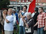 Komunisté zorganizovali petici proti církevním res...