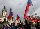 Něco se chystá, nedělní vzpoura z Prahy má dohru. Za nespokojené se postavili Svobodní