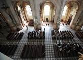 Černý den pro církve. Sněmovna rozhodla, že restituce se budou danit