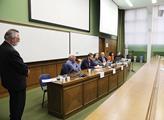 České školství nad propastí? Panelová diskuze na P...