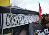 Bojovali proti bankám, teď mlčí. Celosvětový protest prý potlačili mocní