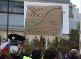 Demonstrace proti vládním opatřením 28. října v Pr...