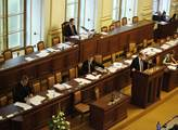 Interpelace na premiéra Sobotku provázel ve sněmov...