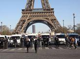 Francie: Chceme zbraně! Slzy je nezastaví. Islámská vražda učitele? Nahý Mohamed a spiknutí