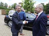 Uvítání předsedy Senátu Miloše Vystrčila Eduardem ...