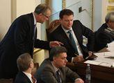 Opozice řádila ve Sněmovně. Přesto smůla. Státní rozpočet se schodkem 40 miliard byl schválen
