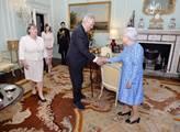 Prezident Zeman na audienci u britské královny Alž...