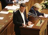 Okamura bude obhajovat post lídra SPD, o vyzyvateli neví