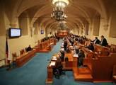"""Pražský senátorský """"duel"""". Hilšer chce vyvracet mýty o bruselském diktátu, Michálek pokračovat v boji s korupcí"""