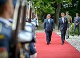 Maďarský premiér Viktor Orbán s českým premiérem A...