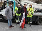 Vyvěšování vlajek České republiky na sloupy veřejn...