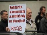 Protestní shromáždění namířené proti údajné perzek...