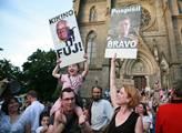 Nechceme vládu kmotrů, znělo při demonstraci za Pospíšila