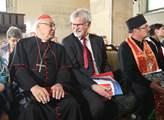 Kardinál Miloslav Vlk(vlevo)