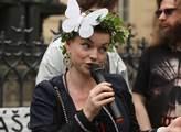 Demonstrace nazvaná Tichý pochod žen proti útisku ...