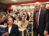 Bývalý prezident Václav Klaus vystoupil na Vysoké ...